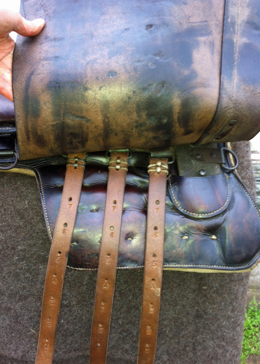 M25 German cavalry saddle billets